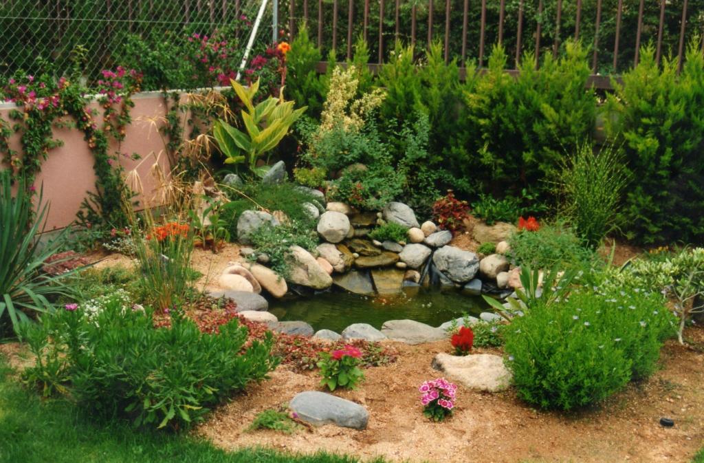 Jardin con lago en Alella