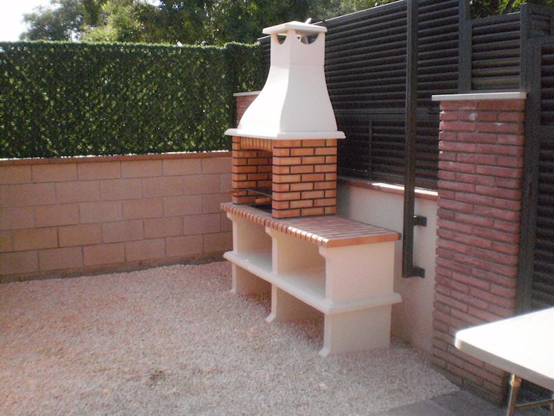 Otros trabajos jordi pujol jardiner for Barbacoas prefabricadas