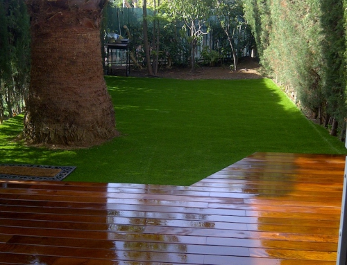 Renovant jardí amb gespa artificial
